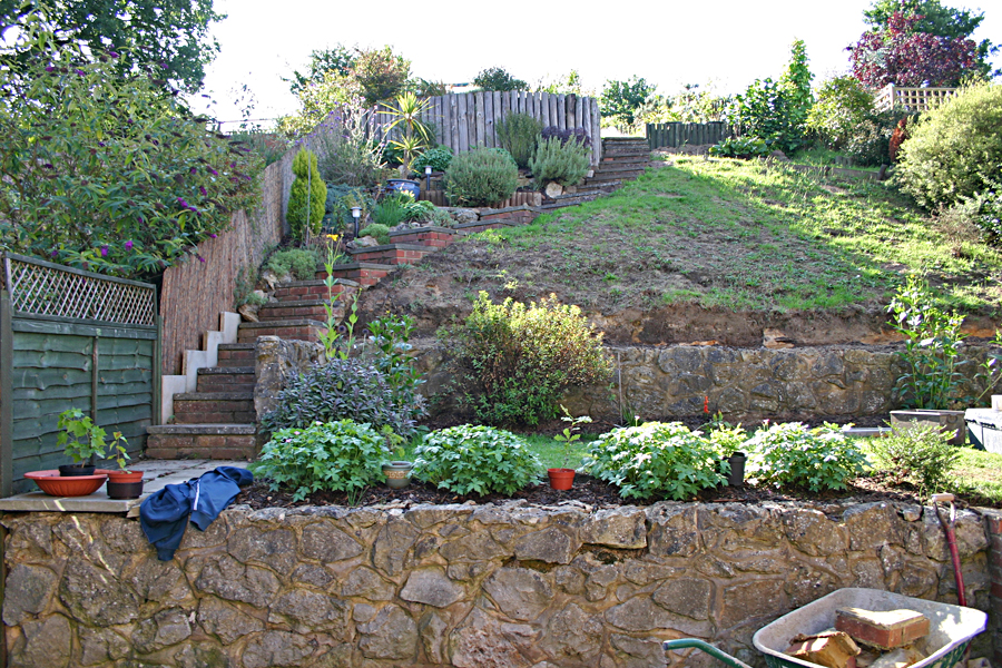 Garden ponds and water features castle landscapes kent for Garden pond kent